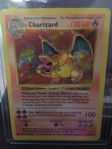 Base Set Shadowless Charizard Rare Holo 4/102 Pokémon Card