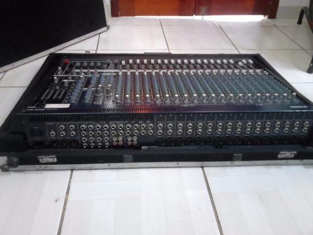 Yamaha MG24/14FX Dual EFX Mixer (24- PLUS CASE