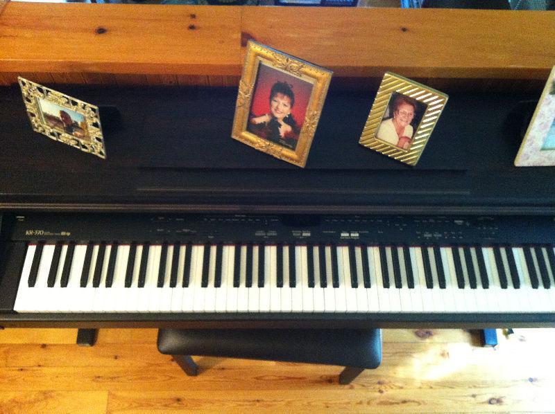 Piano Orgue Roland KR-370 DiGiTAL intelligent Avec DaTa Dick