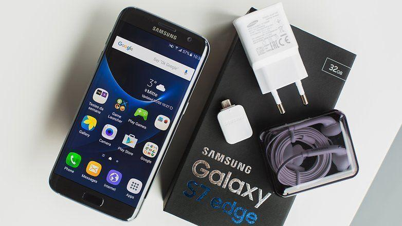 Unlocked Samsung S7 Edge - Brand new in Box with two cases