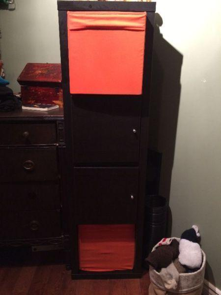 Wardrobe/shelving unit
