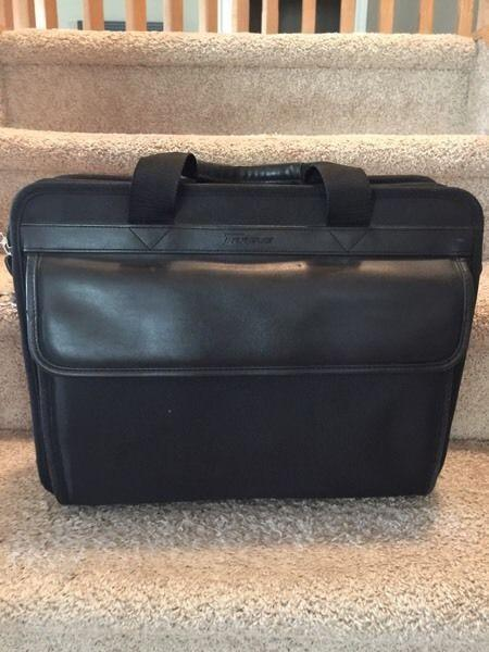 TARGUS TLNP-01 LAPTOP CASE